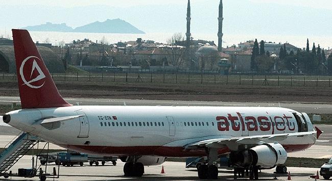 Atlasjet Havayolları'nın Arızalanan Uçağı Geri Döndü